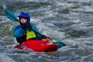 Short hull kayak for river